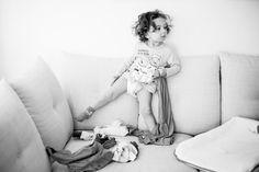 © Anna Sandström Foto, In home family photo session, Familjefotograf Stockholm, Lifestyle fotograf, Lifestyle family photographer, Hemma-hos-fotografering, Storytelling, familjefotografering hemma