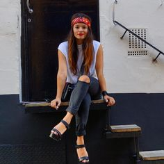 red lipstick and red bandana, latin fashion blogger  Rocky outfit @ thretrendyhub.com