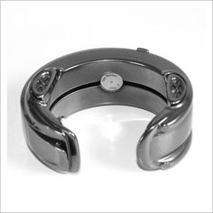 3D Printing the Porsche of Bracelets: the chp73 http://3dprint.com/92861/3d-printing-porsche-bracelets/