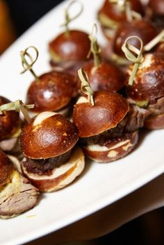Sliders on Tray at Cocktail Hour    Photography: KingenSmith   Read More:  http://www.insideweddings.com/weddings/modern-wedding-with-soft-color-palette-and-personalized-details/792/