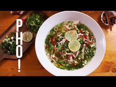 A vietnámi pho leves a világ egyik legnépszerűbb levese lett és hála a gasztroforrdalomnak, már Budapesten is tudunk igazán finom példányokat kóstolni. Pho, Naan, Seaweed Salad, Palak Paneer, Vietnam, Goodies, Cooking, Ethnic Recipes, Happy