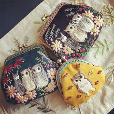 Just when I was starting to think I have seen all the cute owl purses, I discover gorgeous embroidery owl coin purses! Diy Embroidery, Embroidery Stitches, Embroidery Patterns, Owl Purse, Textile Sculpture, Embroidered Bag, Handicraft, Needlework, Creations