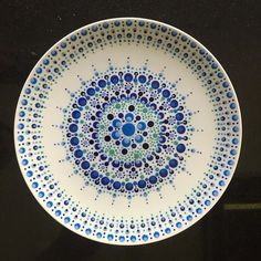 Love the colour, pattern Pottery Painting Designs, Pottery Designs, Paint Designs, Dot Art Painting, Mandala Painting, Ceramic Painting, Stippling Art, Paint Your Own Pottery, Painted Pottery