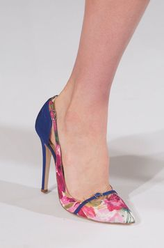 Perfectly ladylike pumps at Oscar de la Renta Spring 2014 #NYFW