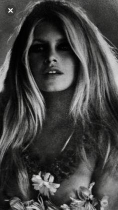 Bardot by sweet ruby Brigitte Bardot, Bridget Bardot, Sophia Loren Images, And God Created Woman, Glamour Photo, Vintage Glamour, Vintage Hollywood, Belle Photo, Fashion Photo
