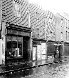 Poplar High Street 1919 Jennifer Worth, East End London, Call The Midwife, London History, London England, Squirrel, Lost, Street, Ring