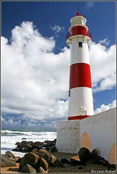 Itapuã Lighthouse, Salvador, Bahia, Brasil | Ricardo Kuehn on Flickr
