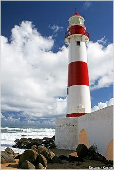 Itapuã Lighthouse, Salvador, Bahia, Brasil | Ricardo Kuehn on Flickr