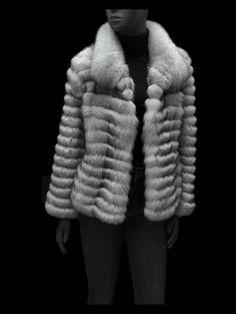 Un trabajo laborioso pero con un rendimiento supremo, dos prendas obtenidas de una. Modernas, ligeras y volumen reducido. #chaquetas #moda #fashion #fashionblogger #estilo #reels #outfits #look #model #reutilizar #tallerdepeleteria #chaleco #antesydespues #beforeandafter Pelo Casual, Casual Hairstyles, Fashion Sewing, Business Outfits, Fashion Quotes, Fur Coat, Jackets, Fashion Shoes, Business Wear