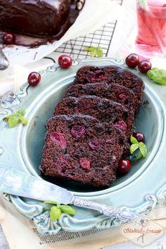 Soczyste ciasto czekoladowe z wiśniami