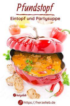 Eintopf Rezepte, Party Rezepte: Pfundstopf Rezept von herzelieb. Die ideale Suppe aus dem Ofen für eine Party, Hochzeit, Richtfest, Geburtstag. 10 - 12 Personen werden bei diesem Rezept locker satt. Super einfach, schnell gemacht und man kann ihn gut vorbereiten. Herzhafter Eintopf, der viele Personen satte macht. Man kann nie genug Suppen Rezepte haben! Ofensuppe Rezept mit Pfiff #herzelieb #eintopf #suppe #party Food And Drink, Kitchen, Photos, Soups And Stews, Stew, Cooking, Kitchens, Cuisine, Cucina