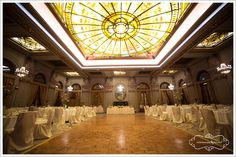 Fotografiile, criteriu in alegerea restaurantului Chandelier, Restaurant, Ceiling Lights, Lighting, Home Decor, Fotografia, Candelabra, Decoration Home, Room Decor