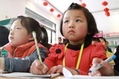 Shangzhou is the pioneer at Internet education area.The kids are learning English on the Internet.Which is a more convenient way for them.Some of them are hardworking and concentrate on learning English.So cute!