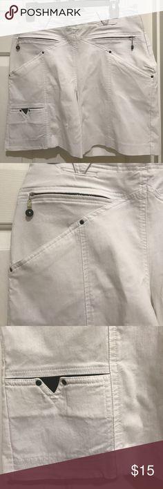 Jamie Sadock Super cute Shorts Super cute Super and pocket details/side zip closure/22% Nylon/74% Rayon/4% Spandex/machine washable jamie sadock Shorts