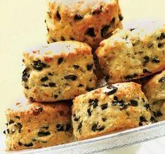 Το πετυχημένο περιοδικό μαγειρικής στον υπολογιστή, tablet ή κινητό σου! Αγαπημένες συνταγές από επώνυμους σεφ μαζί με τιπς και συμβουλές για την κουζίνα! Cypriot Food, Olive Bread, Greek Sweets, Home Bakery, Food Platters, Greek Recipes, Recipe Collection, Finger Foods, Cupcake Cakes