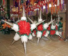 Piñatas, indispensables en Navidad
