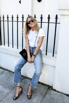 How To Wear A T-Shirt And Jeans And Still Look Stylish - Closet Heroes
