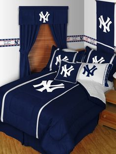 NY Yankees room decor