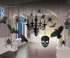 This glitter chandelier kit is a great Halloween decoration. This cheap decoration is perfect for Halloween parties! Skeleton Decorations, Spooky Halloween Decorations, Halloween Party Decor, Halloween Crafts, Hanging Decorations, Spider Decorations, Halloween Stencils, Paper Halloween, Halloween Table
