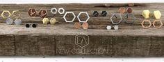 Subtelna #biżuteria od #polskiego #projektanta Bartosza Ciba. Te sześciokątne cuda są pozłacane żółtym lub różowym złotem. Mamy też wersję z rutenu. Dzięki temu nie uczulają :)   #bartiszciba #kolczyki Teak, Place Cards, Place Card Holders, Jewellery, Collection, Jewels, Schmuck, Jewelry Shop, Jewlery