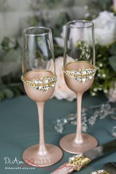 Rose Gold Wedding Glasses Gold Champagne Flutes Personalized Wedding toasting glasses are available in many styles. Our extensive range includes something to please everyone, from simple, subtle designs to big, bold and beautifully decorated glasses! Many wedding champagne flutes can be engraved with names and wedding date or a custom message. Your wedding glasses will make a lasting memento of your wedding and can be used on each anniversary.