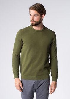 Rundhals-Pullover von Marc O'Polo mit klarem Profil und hervorragenden Trageeigenschaften. Die weiche Feinstrick-Qualität hat eine feine Waffel-Optik, die für viele Outfit-Kombinationen zu haben ist. Aus 100% Baumwolle....