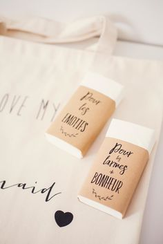 Charlotte & Julien - 48 Romantic Wedding Venues in the U. Wedding Table, Diy Wedding, Wedding Venues, Wedding Day, Wedding Send Off, Unity Ceremony, Happy Tears, Welcome Bags, All You Need Is Love