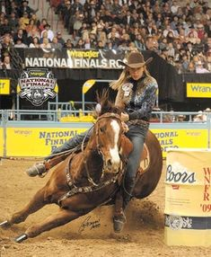 Sue Smith & Claimer Barrel Racing Horses, Barrel Horse, Beautiful Horses, Animals Beautiful, Horse Saddles, Horse Halters, Cowgirl Pictures, Rodeo Girls, Rodeo Cowboys
