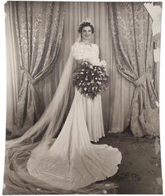 Vintage 1930s Wedding Wax Tiara Bridal Headpiece w Photo & Provenance