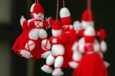 Today is 1 of March or Mama Marta Day. Baba Marta holiday is celebrated in Bulgaria on March 1 with the exchange and wearing of martenitsi. Baba Marta, Cultural Crafts, Crafts For Seniors, Welcome Spring, Its My Bday, Birthday Board, Happy Spring, My Heritage, Martini
