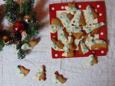 Biscotti natalizi allo zenzero e cioccolato bianco