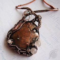 Asymetric necklace Heart; copper, rose quartz, rodochrosite; patinated; by Nady (http://www.nady.cz/nahrdelniky/nahrdelnik-srdce-149/)
