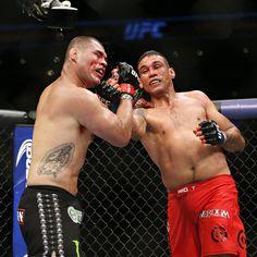 UFC 188: Fabricio Werdum upsets Cain Velasquez for heavyweight title