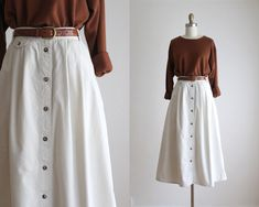 Pin by Leo T on Clothes in 2020 Modest Clothing, Modest Dresses, Modest Outfits, Simple Outfits, Skirt Outfits, Pretty Dresses, Cool Outfits, Casual Outfits, Elegant Dresses