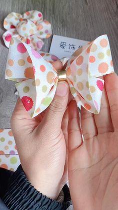 Diy Bow, Diy Ribbon, Ribbon Crafts, Ribbon Bows, Diy Hair Scrunchies, Diy Hair Bows, Diy Belt For Dresses, Diy Clothes And Shoes, Baby Hair Bands