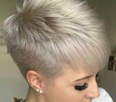 Today we have the most stylish 86 Cute Short Pixie Haircuts. We claim that you have never seen such elegant and eye-catching short hairstyles before. Pixie haircut, of course, offers a lot of options for the hair of the ladies'… Continue Reading → Pixie Haircut For Thick Hair, Funky Short Hair, Thin Hair Cuts, Super Short Hair, Short Grey Hair, Short Hairstyles For Thick Hair, Short Pixie Haircuts, Short Hair Cuts For Women, Short Hair Styles