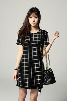 Shop for Checker Short Sleeve Dress at Korean Fashion Store. Find more Korean women's dresses popular in Korea at our store. Classy Outfits, Pretty Outfits, Casual Outfits, Cute Outfits, Ulzzang Fashion, Korean Fashion, Simple Long Dress, Casual Dresses, Short Sleeve Dresses
