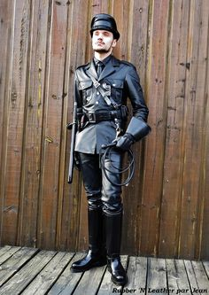 Mens Leather Pants, Leather Duffle Bag, Leather Trench Coat, Leather Boots, Duffle Bags, Leather Jackets, Military Suit, Leder Outfits, Men In Uniform