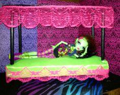 Lit de poupée de canopée meubles haute monstre - Bright Green/Pink