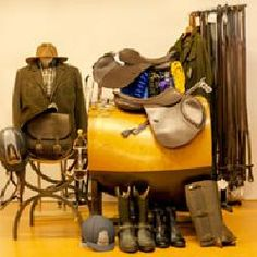 Selleria il Puledro: selle, guanti per equitazione, pantaloni da cavallo, articoli box, caschi per endurance, coperte, stivali