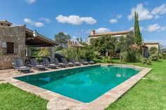 VILLA PAROYA is a traditional villa full of Mallorca character and surrounded by beautiful gardens.