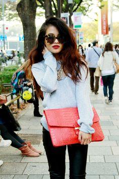 matching bag/lips