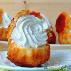 Desserts, sweets and other treats Sweets Recipes, Cake Recipes, Cooking Recipes, Small Desserts, Just Desserts, Romanian Desserts, Savarin, Pastry Cake, Cafe Food