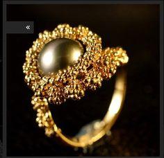 Gilbert Albert, black pearl and gold ring Statement Jewelry, Pearl Jewelry, Bling Jewelry, Jewelry Art, Diamond Jewelry, Unique Jewelry, Vintage Jewelry, Jewelry Design, Jewellery