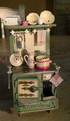 Oh I love this dolls kitchen!
