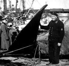 Marineunderoffi ceren Herbert, som var meget vellidt blandt de lokale, da han ofte hjalp dem, hvis der var problemer med de tyske soldater