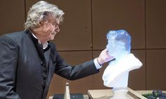 Austrian Theater Has Incredible 3D Printed Glowing Bust Created of Actor Peter Simonischek - http://3dprint.com/43276/3d-printed-peter-simonischek/