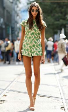 Street Style, love this has a 60's flair, id wear gold and neutral wedges