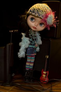 Fur Jacket, Crocheted Cap, Long Sleeve T Shirt, Denim Mini, Leggings, Guitar Necklace, Backstage Pass And Poster Of Choice For Blythe Doll