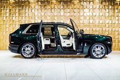 Rolls-Royce Cullinan - Hollmann - Luxury Pulse Cars - Germany - For sale on LuxuryPulse. Rolls Royce Black, Rolls Royce Cars, Ferrari F40, Maserati, Lamborghini Gallardo, Rolce Royce, Los Cars, Vintage Rolls Royce, Rolls Royce Cullinan